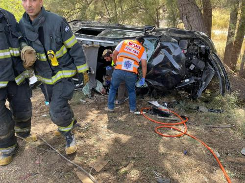 WhatsApp-Image-2021-05-06-at-15.39.04-500x375 אישה בת 48 נפצעה קשה בהתהפכות רכב בכביש 4 סמוך למושב מבקיעים
