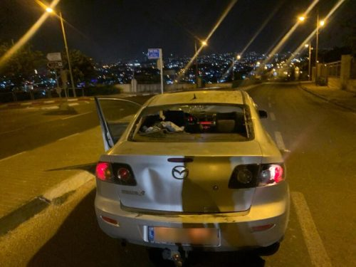 WhatsApp-Image-2021-05-09-at-23.28.01-500x375 רכב הותקף באבנים בשכונת א-טור בירושלים, הנהג נפצע בראשו