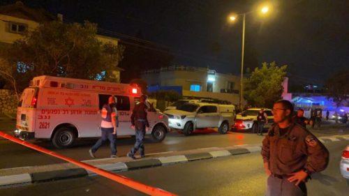 WhatsApp-Image-2021-05-13-at-23.59.04-500x281 רקטה התפוצצה בחצר בית בבאר שבע, טופלו במקום 3 נפגעי חרדה