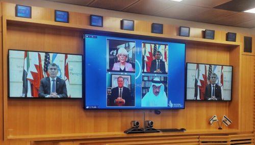 "E25HXycXEAA3no5-500x284 שר החוץ השתתף בפאנל יחד עם מזכיר המדינה לשעבר של ארה""ב"