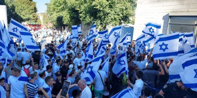 מצעד הדגלים יצא לדרך, אלפי שוטרים פרוסים בירושלים