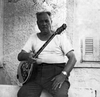 Markos_Vamvakaris_(1967)