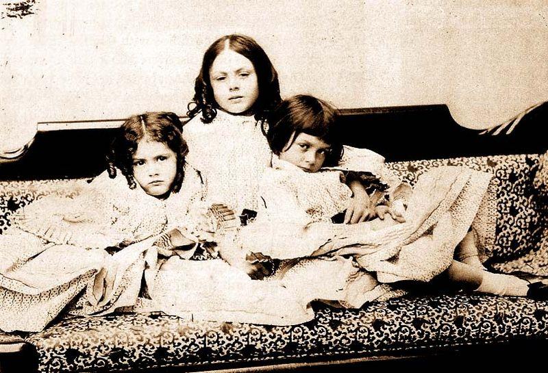 """""""Η Αλίκη στη Χώρα τον Θαυμάτων"""". Ο συγγραφέας κατηγορήθηκε για παιδεραστία, εξαιτίας της σχέσης με το κορίτσι, που τον ενέπνευσε να γράψει το βιβλίο"""