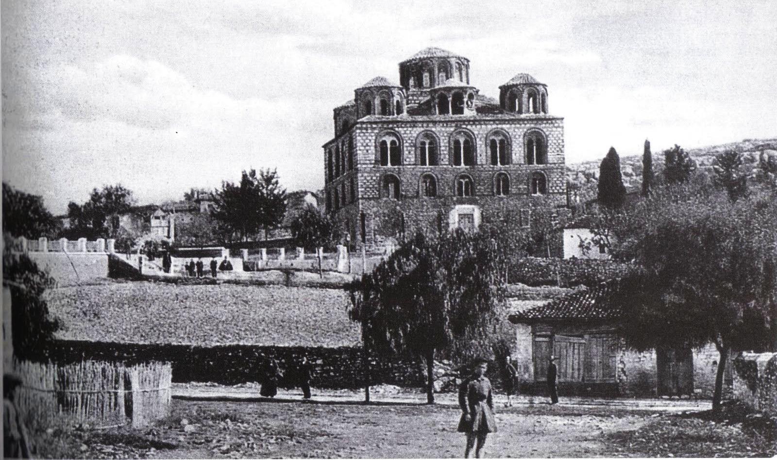 Παναγία η Παρηγορήτισσα, η Βυζαντινή εκκλησία της Άρτας με τον πρωτοποριακό τρούλο που αιωρείται. Ο θρύλος του πρωτομάστορα που ζήλεψε το επίτευγμα του βοηθού του και τον δολοφόνησε. Δείτε το βίντεο με το κτιστό τέμπλο