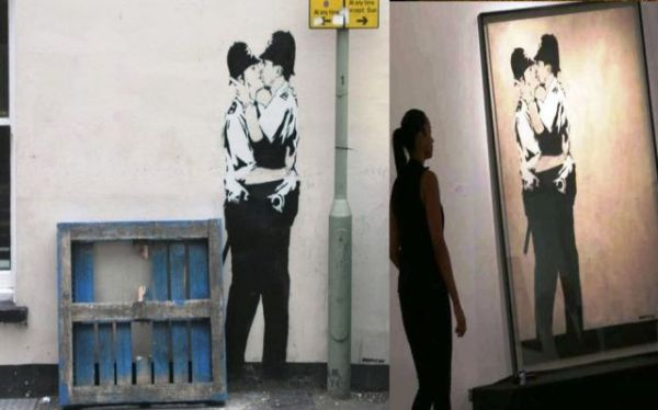 """Αριστερά:το """"Kissing Cappers"""", έξω από την παμπ. Δεξιά: στην έκθεση"""