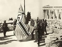 Ελεύθερη Αθήνα. Οι Γερμανοί κατεβάζουν τη σβάστικα από την Ακρόπολη και τελειώνει η μαύρη νύχτα της κατοχής. Ποιος ανέλαβε την διοίκηση της πόλης