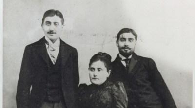 Ο Μαρσέλ Προυστ με την μητέρα του, Ζαν και τον αδερφό του, Ρόμπερτ.