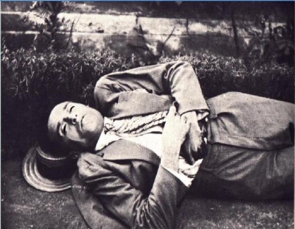 Στη θέση αυτή βρίσκεται σήμερα το στρατόπεδο των καυσίμων της 8ης Μεραρχίας Πεζικού και υπάρχει εκεί αναμνηστική μαρμάρινη επιγραφή που τοποθέτησε η Περιηγητική Λέσχη Πρέβεζας το 1970. Η πινακίδα γράφει: «Εδώ, στις 21 Ιουλίου 1928, βρήκε τη γαλήνη με μια σφαίρα στην καρδιά ο ποιητής Κώστας Καρυωτάκης»