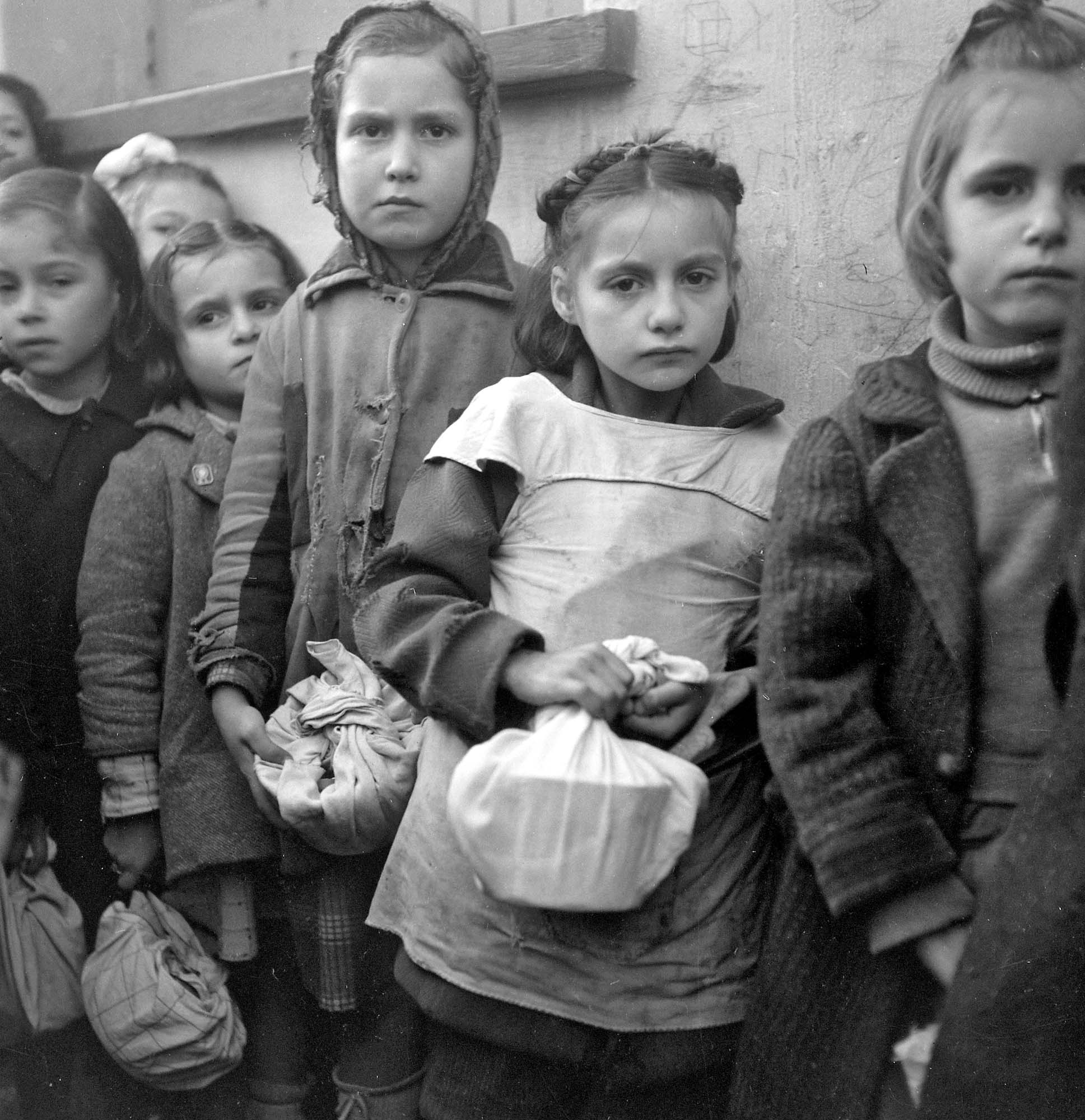 Η θυσία της δασκάλας για να σωθούν τα παιδιά από την πείνα της κατοχής. Ένα συγκινητικό μάθημα από ήρωες εκπαιδευτικούς, που δεν έγραψε ποτέ η ιστορία