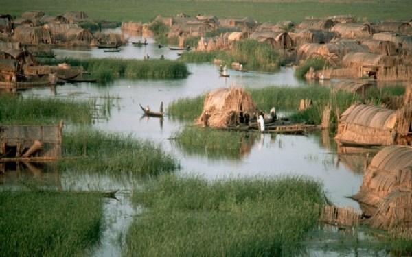 H περιοχή κατοικείται πάνω από 5.000 χρόνια και στο αποκορύφωμά της ζούσαν εκεί μισό-εκατομμύριο Marsh Arabs