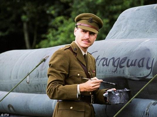 """Ο ηθοποιός Τζέισον Μπερ υποδύθηκε τον Ντέιβιντ Στρέιντζγουεϊζ σε παραγωγή του ITV1, """"Fooling Hitler"""" (2004)"""