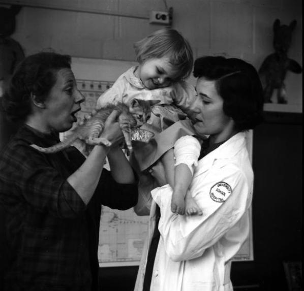 Το 1792, χρησιμοποιήθηκαν για πρώτη φορά ζώα για τη θεραπεία ψυχικών παθήσεων.