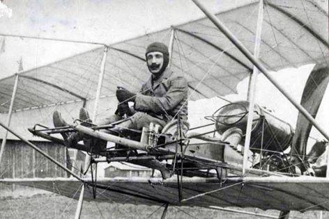 """Αναβιώνει η ιστορική πτήση του """"τρελλοκαμπέρου"""" μετά από 109 χρόνια. Πως έκανε παγκόσμιο ρεκόρ ταχύτητας υδροπλάνου, καλύπτοντας την διαδρομή Ύδρα – Φάληρο σε 38 λεπτά"""