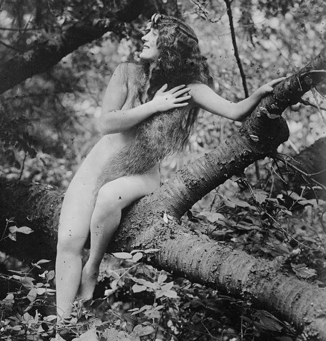 Η Ανέτ Κέλερμαν έγινε ο πρώτος άνθρωπος που εμφανίστηκε γυμνός σε ταινία του Χόλιγουντ.