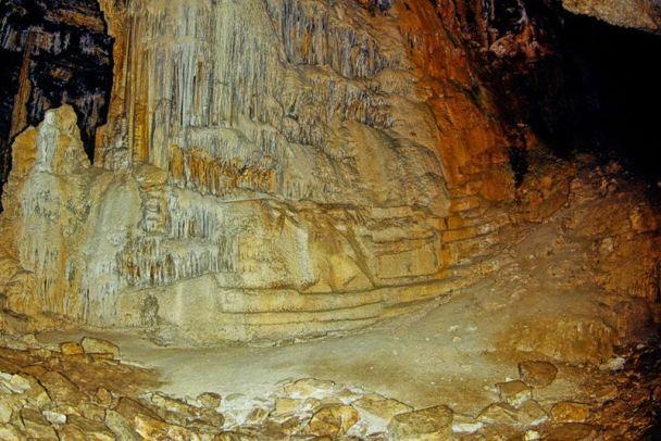 Το εσωτερικό του σπηλαίου