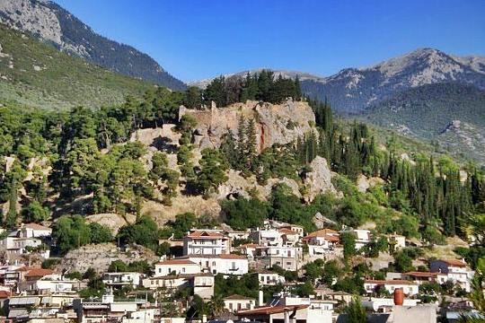 Τι σχέση έχει το Κάστρο της Άμφισσας με τη Θεσσαλονίκη. Ήταν το πρώτο ελληνικό κάστρο που ελευθερώθηκε από τους Τούρκους