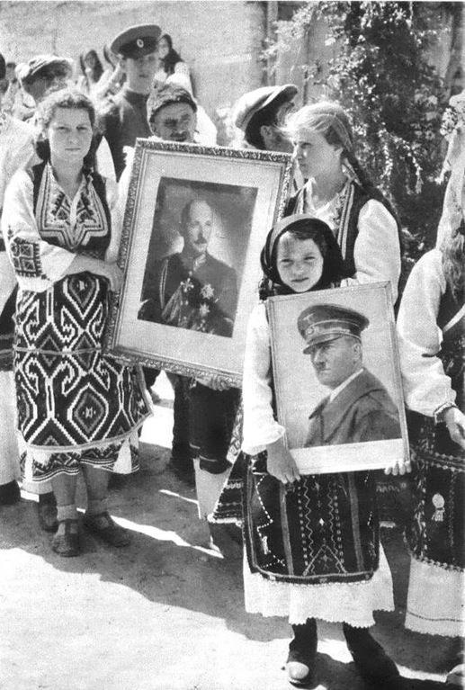 Γιατί το καλοκαίρι του 1941 κάτοικοι χωριών της Μακεδονίας υποδέχονται τους Γερμανούς με φωτογραφίες του Χίτλερ και του Βούλγαρου βασιλιά, φωνάζοντας «Χριστός Ανέστη» στα βουλγαρικά;