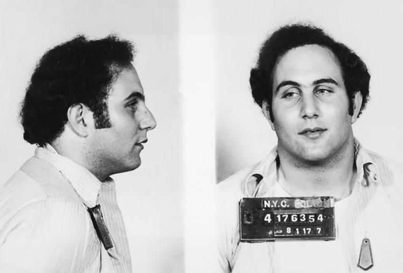 Ο serial killer της Νέας Υόρκης που σκότωσε 8 νεαρές κοπέλες με σκούρα μαλλιά. Για να νιώθουν ασφαλείς, οι γυναίκες κυκλοφορούσαν με ανοιχτόχρωμες περούκες!
