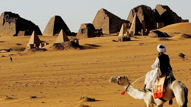 200.000 Σουδανοί του Νότου έχουν εξαναγκαστεί σε δουλεία από τους Βόρειους Σουδανούς. Η χώρα που οι κάτοικοι ζουν με 1,18 δολάρια την ημέρα και αποτελείται από 600 φυλές και 400 διαλέκτους