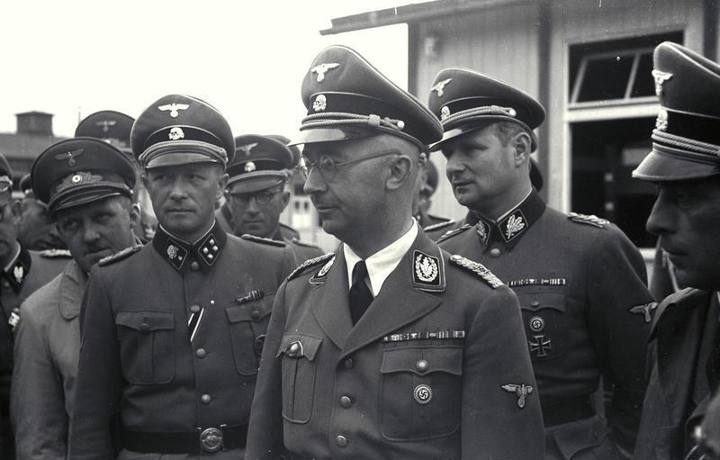"""Ο Χάινριχ Χίμλερ που εκτέλεσε 4 εκατομμύρια ανθρώπους χαρακτήριζε """"καθαρή δολοφονία"""" το κυνήγι ζώων. Ο Αμερικανός επιλοχίας που τον συνέλαβε του είπε απλά: """"ξέρω ποιος είσαι. Και τώρα γδύσου"""""""