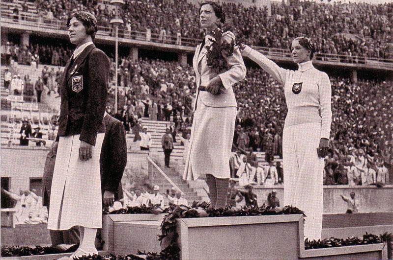 Η μοναδική Εβραία αθλήτρια που αγωνίστηκε για την χιτλερική Γερμανία στους Ολυμπιακούς αγώνες του 1936 και κατέκτησε μετάλλιο. Ο Γκαίμπελς είχε απαγορεύσει κάθε αναφορά στην καταγωγή της