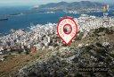 """Που βρίσκεται """"ο θρόνος του Ξέρξη"""". Από εκεί παρακολούθησε τη ναυμαχία της Σαλαμίνας, βέβαιος ότι οι Έλληνες θα κατατροπωθούν από τον περσικό στόλο (drone)"""