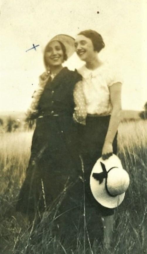 Ο Κριστιάν Ντιόρ έραβε για δοσίλογους και Ναζί, η αδελφή του πολεμούσε στη γαλλική αντίσταση και η ανιψιά του υμνούσε τον Χίτλερ