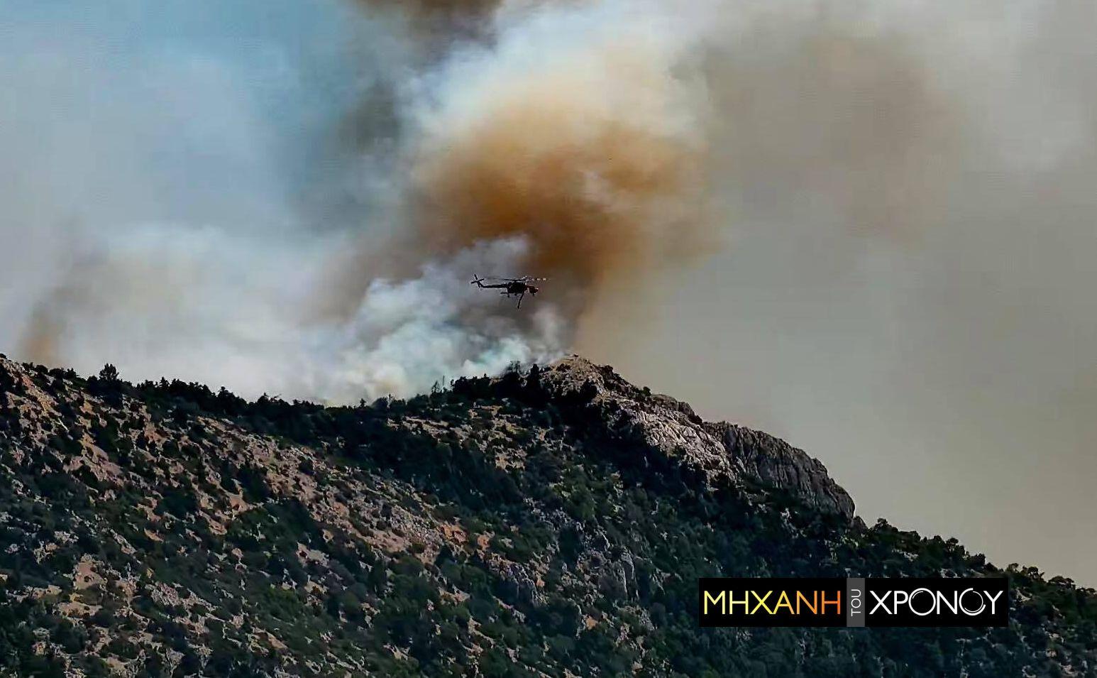 Δείτε το νέο μέτωπο στα ορεινά της Πάρνηθας που απειλεί Βαρυμπόμπη και Κρυονέρι- 55 φωτιές σε εξέλιξη (βίντεο)