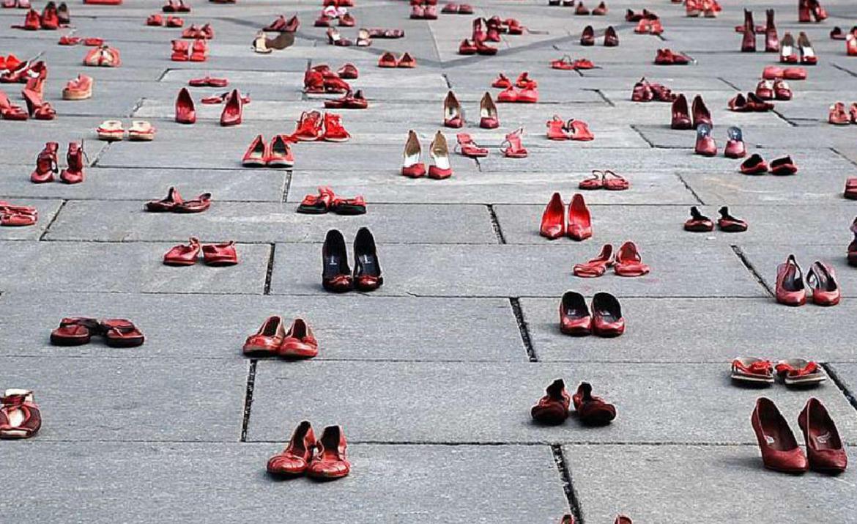 102 γυναικοκτονίες το 2020 στη Γαλλία – Το 35% των θυμάτων είχαν υποστεί βία απ' τους συντρόφους τους