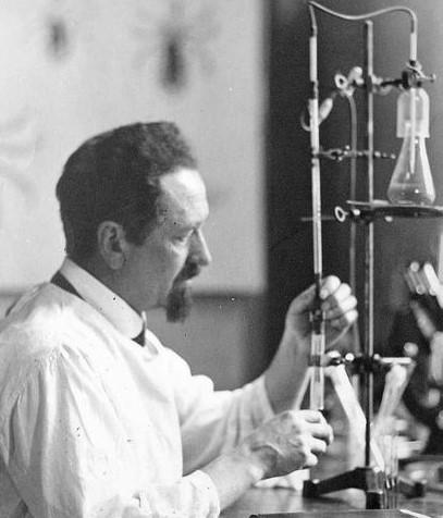 Ο άνθρωπος που ανακάλυψε το εμβόλιο κατά του τύφου και έσωσε χιλιάδες θύματα του Β΄ παγκοσμίου πολέμου