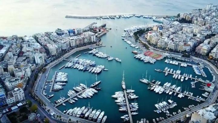 Οι New York Times εκθειάζουν τον Πειραιά. Ένα αρχαίο λιμάνι έχει μετατραπεί σε διεθνή πολιτιστικό κόμβο