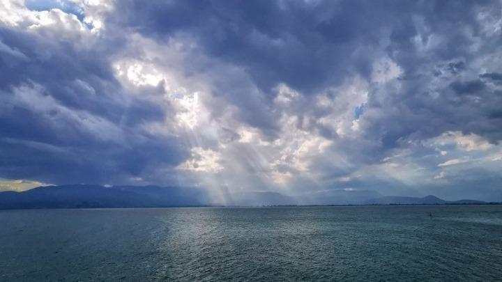 Βροχές και καταιγίδες στην Αττική. Άστατος καιρός και στην υπόλοιπη χώρα- Που θα είναι έντονα τα φαινόμενα