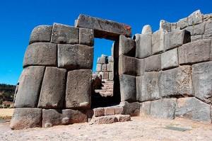 Sacsayhuaman-monument