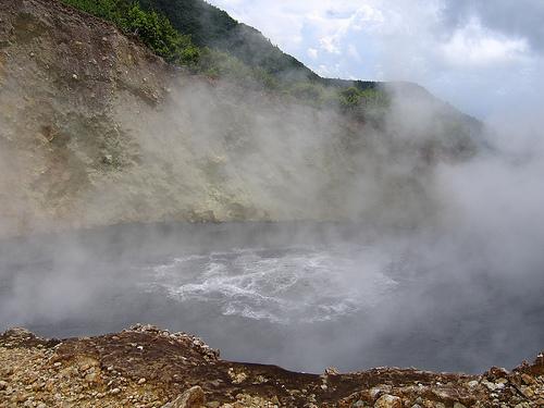 lacul boiling -dominica
