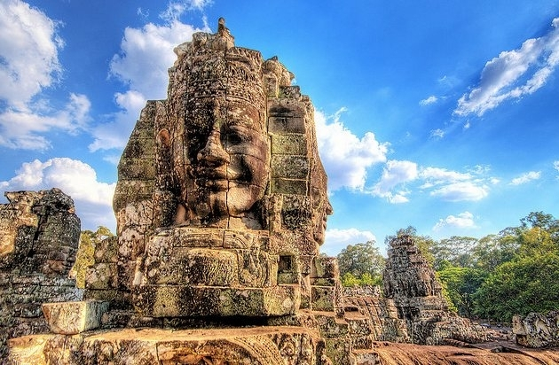 statuia de la angkor