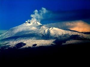 cel mai enigmatic  vulcan din lume Etna