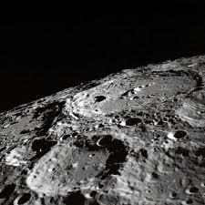 craterele de pe Luna