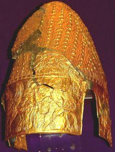 legenda tezaurului de la peretu si fratia regilor traci.jpg-coiful de la cotofenesti.jpg-coiful de la cucuteni
