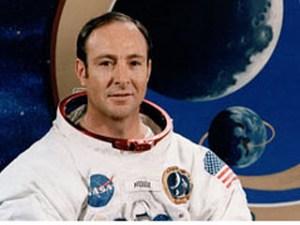 Edgar Mitchell, astronautul pasionat de paranormal