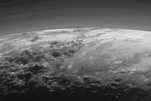 Pluto- o lume activa