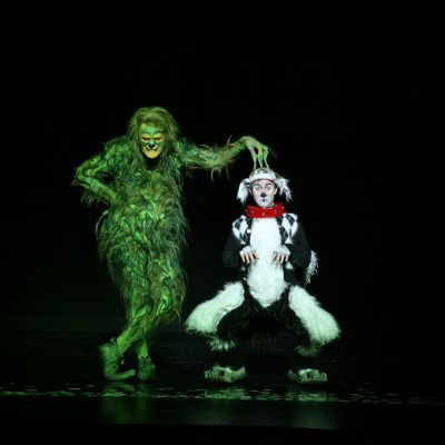Dr. Seuss' How the Grinch Stole Christmas! The Musical – The Chicago Theatre