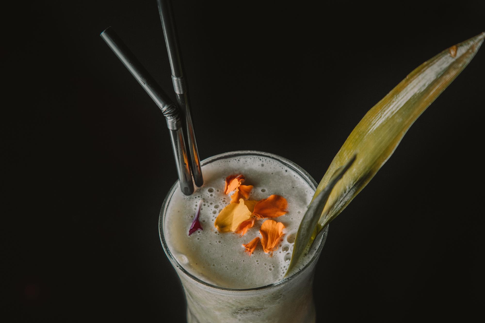 Coctel de flores de mixologar&cia