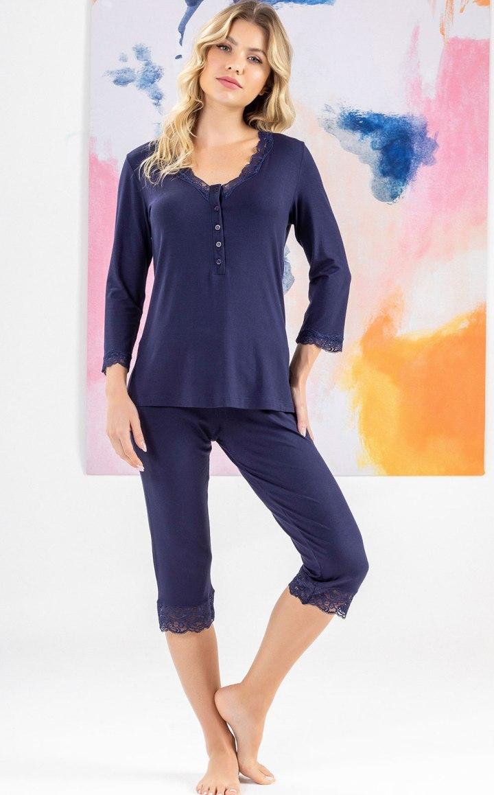 Pijama Blusa Manga Longa Peitilho com Capri