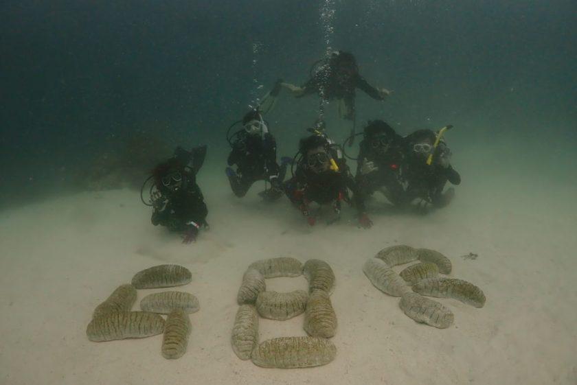 オーストラリア グレートバリアリーフ オーシャンクエスト組 水中集合写真
