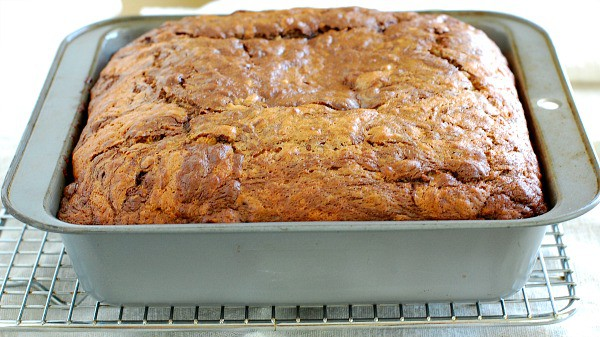 Luscious chocolate swirl banana cake is an easy recipe that's perfect for a potluck. | mjbakesalot.com