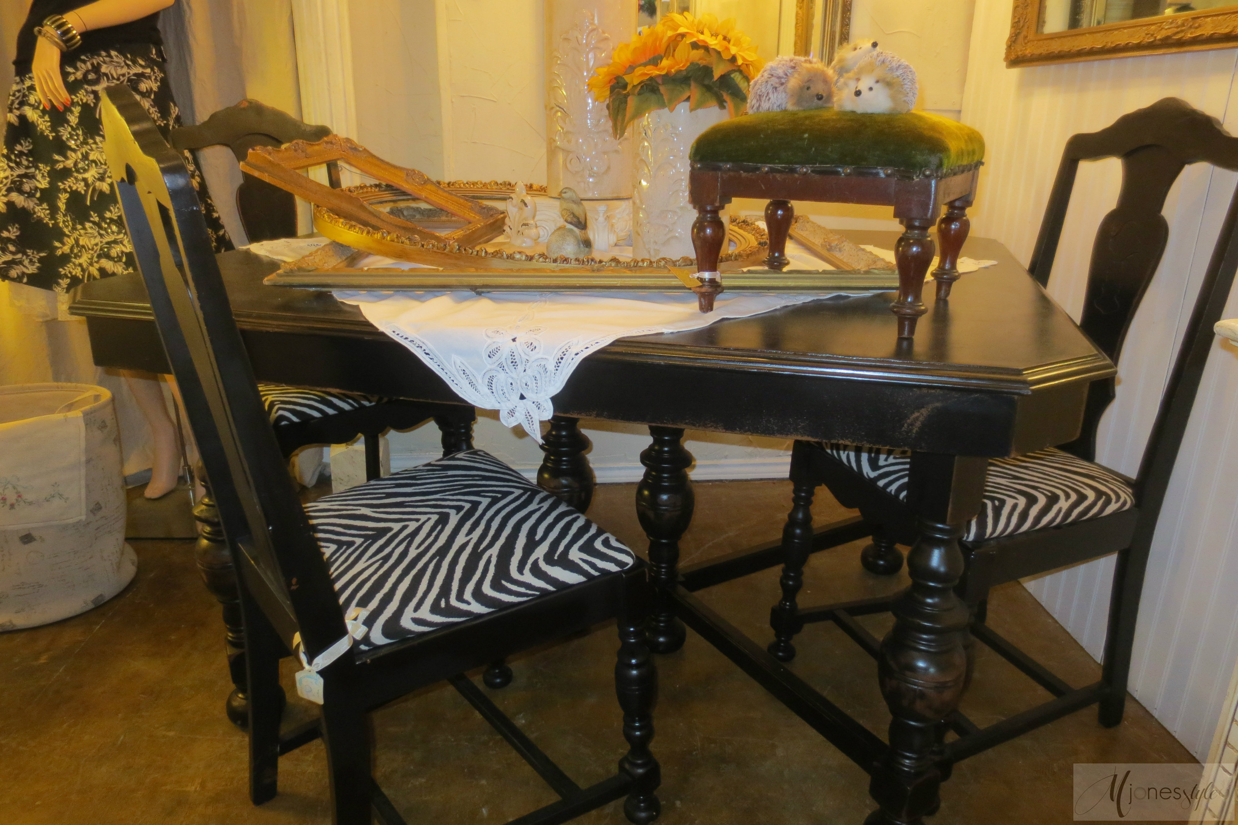 Another Dining Set In Black Zebra Print Chairs