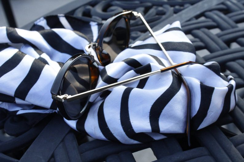 #zebrascarf #sunglasses