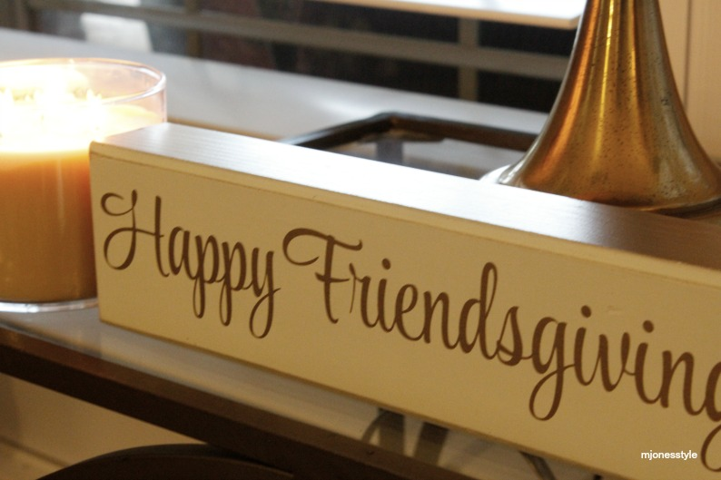 #happyfriendsgivingsign #falldecor