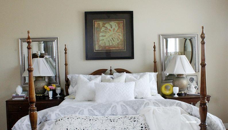 #whitebedding #springbedroomdecor #vintagebedroomdecor #mjonesstyle
