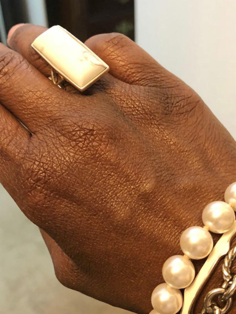 #whiteandpearljewelry #wednesdaysclosettips #mjonesstyle